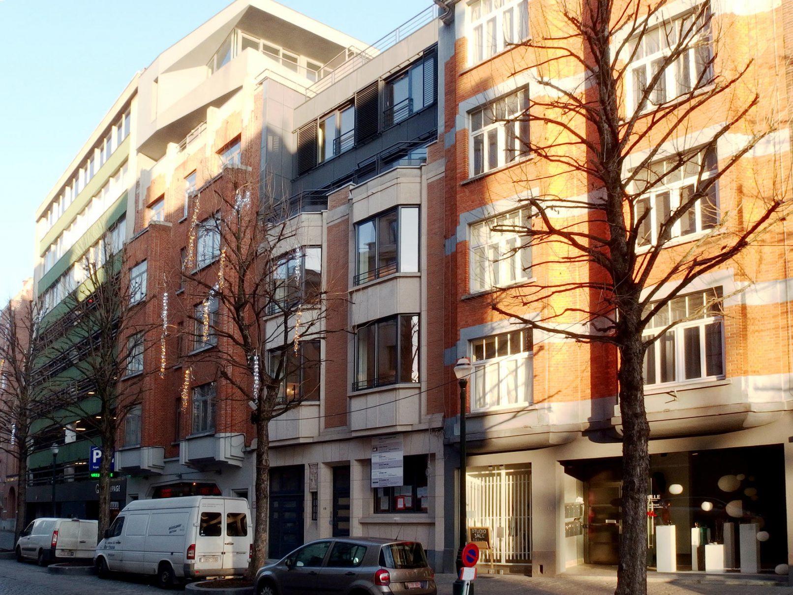 Lepage rehausse d un immeuble ariane delacre architecte for Architecte bruxelles