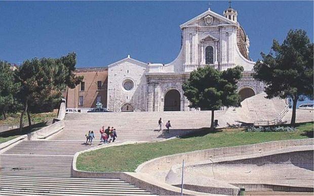 chiesa-inaugurato-nuovo-portone-santuario-bonaria