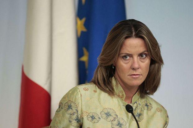 lorenzin-a-ospedale-la-maddalena-and-quot-appena-67-parti-nel-2015-and-quot