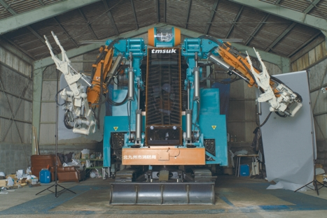 The five-tonne, 3.5m-high tele-operated T-52 Enryu has been developed to clear rubble at disaster sites.