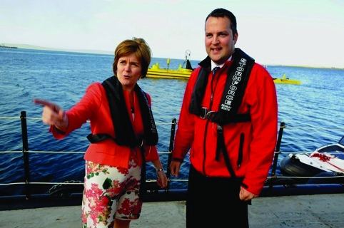 /l/w/m/TE_Nicola_Sturgeon_Barry_Johnston.jpg