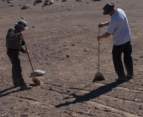 /u/k/a/sweeping_the_desert.jpg