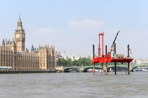 /b/h/s/media_download_rig_thames.jpg