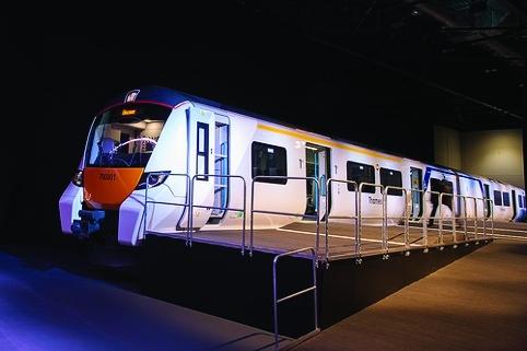 /k/m/u/Siemens_700_Thameslink_train_1.jpg