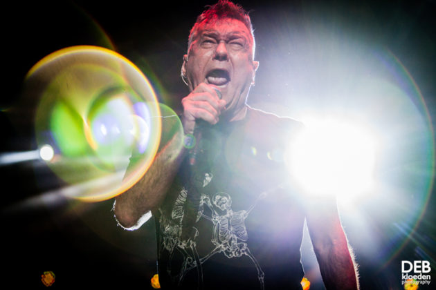 Picture of Jimmy Barnes in concert by Deb Kloeden