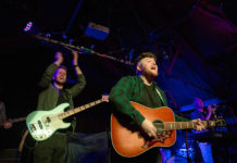 Picture of Saarloos in concert by music photographer Danni Fro