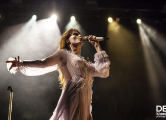 Picture of Florence + The Machine with concert photography by Deb Kloeden