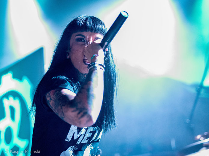 Picture of Jinjer with concert pictures by Kasper Pasinski