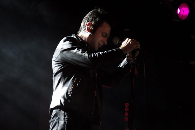 Picture of Teoman by Istanbul concert photographer Ipek Yilmaz