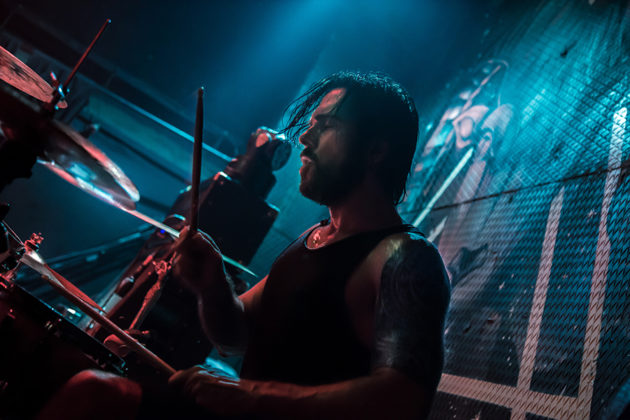 Picture of the Tancan Acar drummer by Istanbul concert photographer Ipek Yilmaz