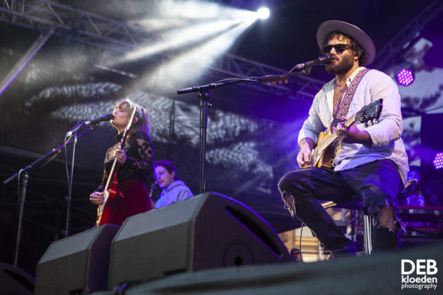 Picture of Angus & Julia Stone in concert with SummerSalt festival photography by Deb Kloeden