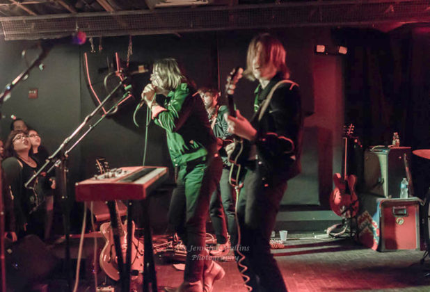 Picture of Vista Kicks in concert by Rock n Roll photographer Jennifer Mullins