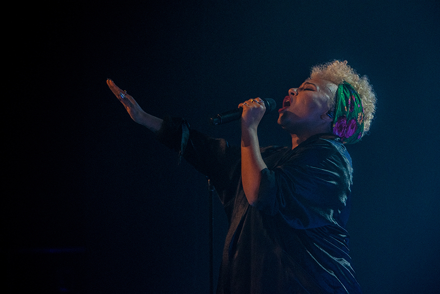 Picture of Emeli Sandé in concert with Ireland concert photography by Danni Fro