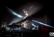 Picture of Caravãna Sun in concert by Adelaide music photographer Deb Kloeden