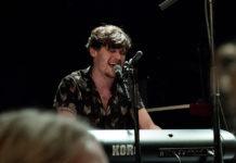 Picture of Ryan McMullan in concert by Denmark Folk music photography by Kasper Pasinski