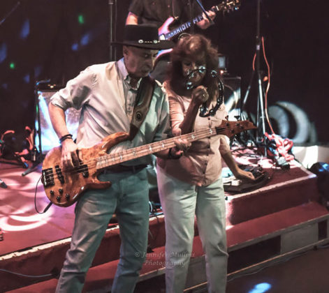 Picture of Smith and Session in concert with Arizona concert photography by Jennifer Mullin