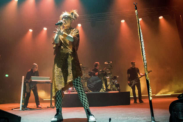 Picture of Garbage in concert by England Music and Pit photographer Naomi Dryden-Smith