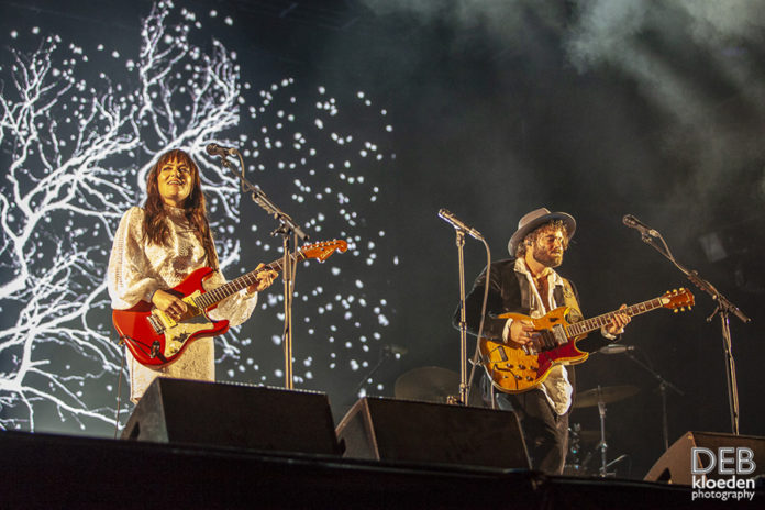 Picture of Angus & Julia Stone in concert by Australia music photographer Deb Kloeden