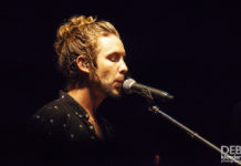 Picture of Jeremy Loops in concert in Adelaide by Australia music photographer Deb Kloeden