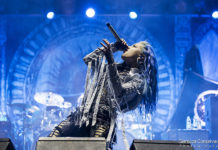 Picture of arch enemy in concert by Venice music photographer Gianluca Conselvan