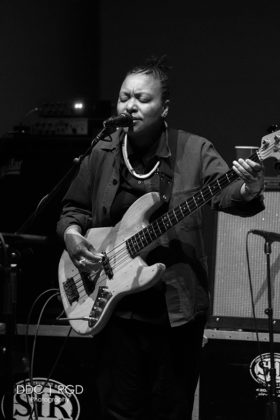 Picture of Meshell Ndegeocello @ MIM's theater in Arizona , American music photographer Dee Carter