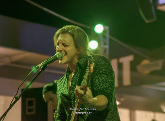 Picture of Luxxe in concert at Tempe Marketplace Arizona, America 04.05.2018  by American Music Photographer Jennifer Mullins