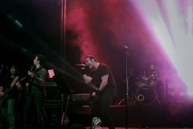 Picture of Gereh in concert by Iranian music photographer  Pouria Esfidvajani