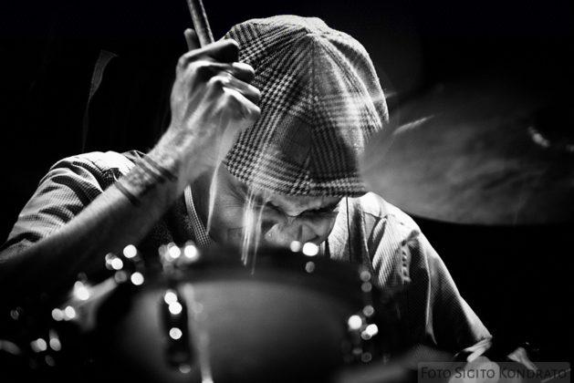 Picture of Ravish Momin in concert by Sigitas Kondratas