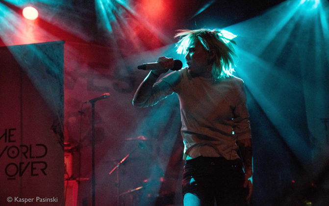 Picture of The World Over in concert by rock photographer Kasper Pasinski