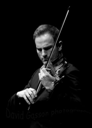 Picture of Stefan Milenkovich in concert by the classical music photographer David Gasson
