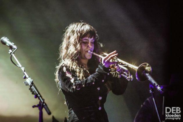 Picture of Angus & Julia Stone in concert by Deb Kloeden
