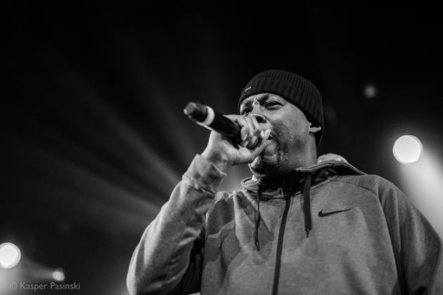 Picture of GZA in concert with photography by Kasper Pasinski