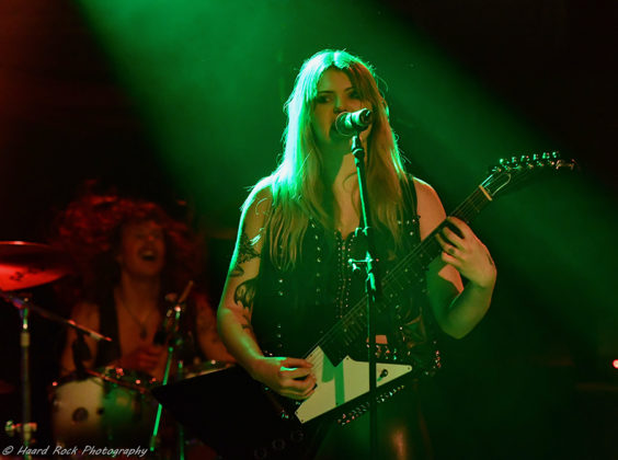 Picture of Mystik in concert with photography by Lennart Håård
