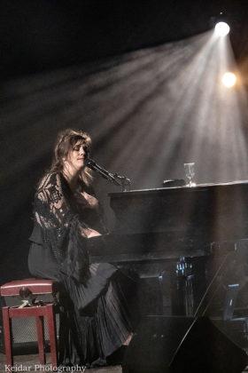 Picture of Keren Peles in concert by Omer Keidar