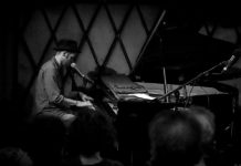 Picture of David Ford in concert by Kevin McGann