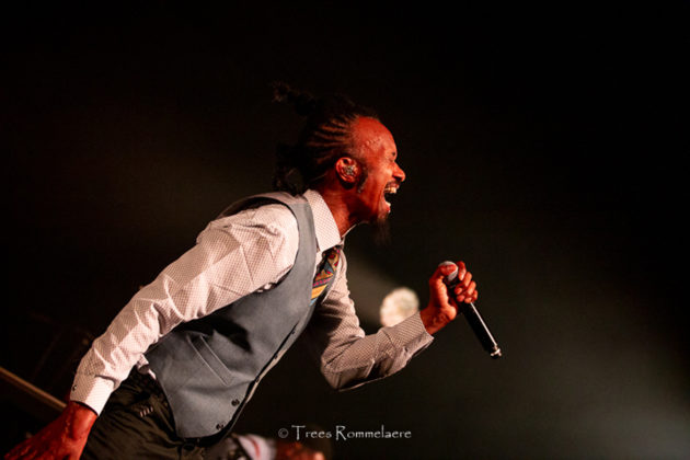 Picture of Fantastic Negrito in concert taken by music photographer Trees Rommelaere