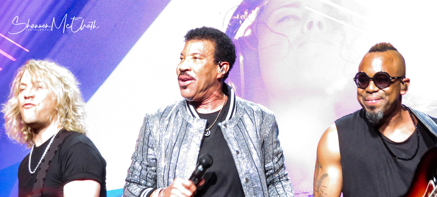 Picture of Lionel Richie in concert taken by music photographer Shannon McElrath