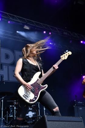 Picture of the rock band Thundermother in concert taken by Lennart Håård