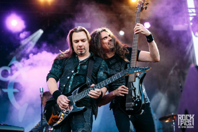 Picture of the power metal band Sonata Arctica in concert taken by Stan Srebar
