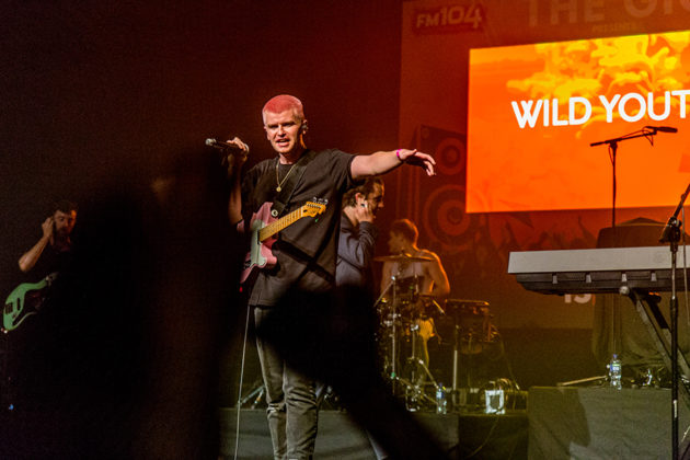 Picture of the pop rock band Wild Youth in concert taken by Danni Fro