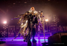 Picture of Skunk Anansie in concert taken by Naomi Dryden-Smith