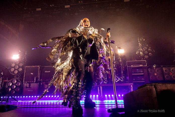 Picture of Skunk Anansie in concert taken by Naomi Dryden-Smith