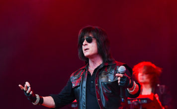 Picture of Joe Lynn Turner in concert by Lennart Håård