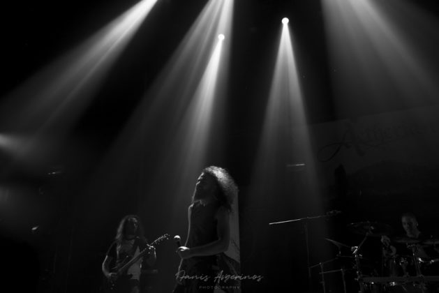 Picture of a band in concert by Fanis Avgerinos