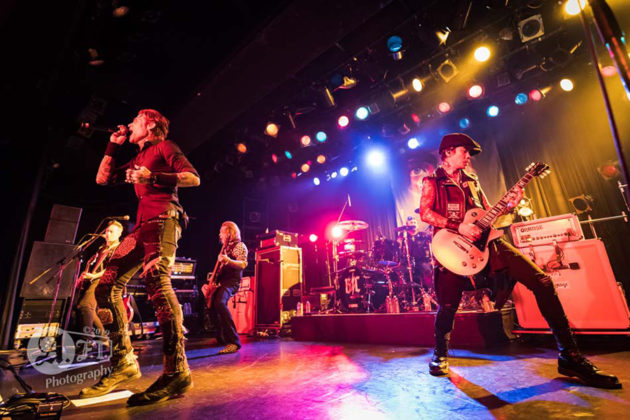 Picture of the rock band Buckcherry in concert by Aki Fujita Taguchi