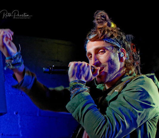 Picture of the Indie band Magic Giant in concert taken by Ruth Preston