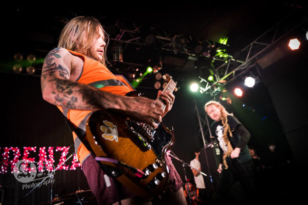 Picture of the punk band Frenzal Rhomb in concert taken by Aki Fujita Taguchi