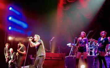 Picture of the rock singer Rob Thomas in concert taken by Dianne Brooks