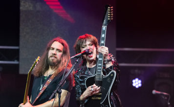 Picture of the heavy metal band Halestorm in concert taken by Lennart Håård