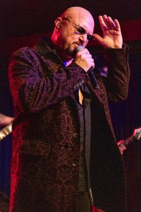 Picture of Geoff Tate in concert taken by Lennart Håård